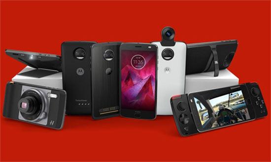 Moto Mods including Hasselblad, JBL Speaker, Gamepad, Battery Packs and New360 Camera.
